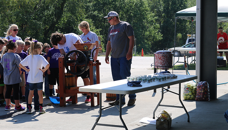 Students attend old time harvest days