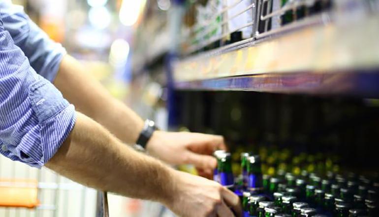 Person handling Liquor