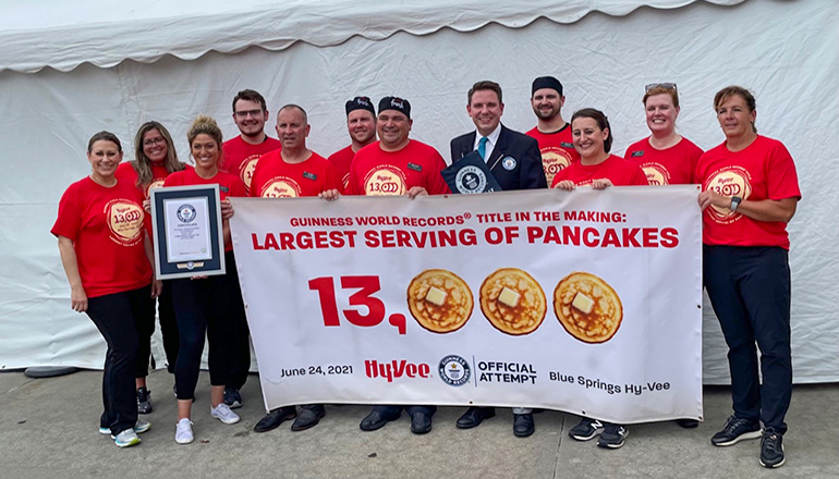 Hy-Vee Guiness World Record Largest Serving of pancakes